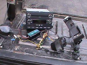 2015 FORD F250 OR F350 SUPERDUTY AUDIO SYSTEM
