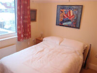 Double Room for rent at Windsor Road PO6 2TG. Minute walk to Cosham Train Station. Suits Sharers.