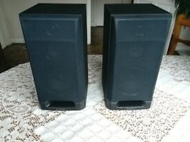 Pioneer S-P520 3 Way Hi Fi Speakers. Excellent Sound Quality and in Good Condition. 65 Watts, 8 Ohm