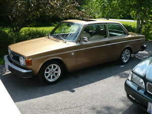 *SOLD* 1974 Volvo 142 GL Southern car