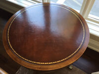 Drum table with leather top in great condition