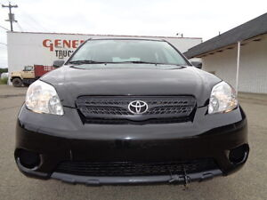 2007 Toyota Matrix SPORT PKG--5 SPEED--ONE OWNER--ONLY  96,000KM