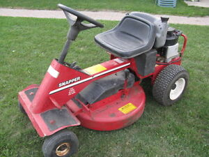 Snapper Rear Engine Rider, 8 Hp, 28 Inches Deck, Kawartha Lakes Peterborough Area image 1