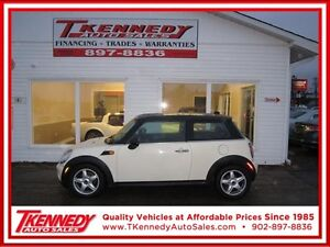 2010 MINI Cooper Hardtop Classic ONLY 68,000 KM ONLY $9,988.