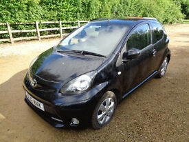 "2012 TOYOTA AYGO ""FIRE"". 3 DOOR IN BLACK. 41000 MILES. FULL MOT .A/C, ALLOYS. £00 pa TAX."