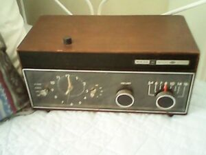 Vintage PHILCO CLOCK RADIO