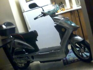 siver  60 volts  beautiful bike Cornwall Ontario image 2