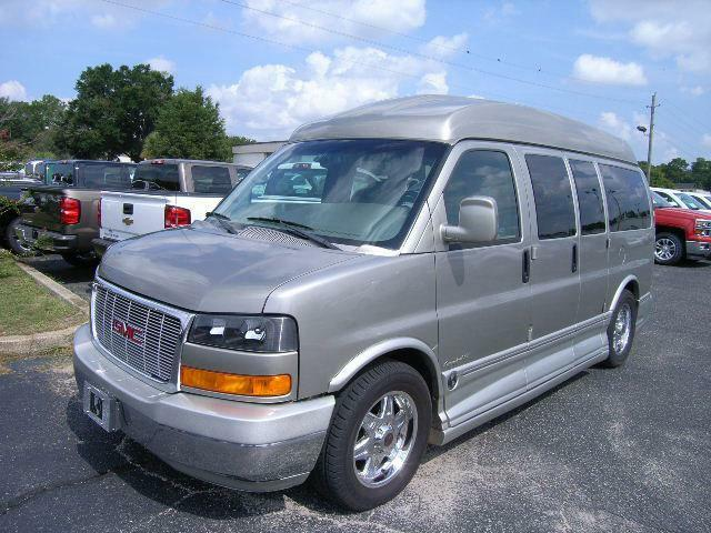 2004 GMC Savana  For Sale