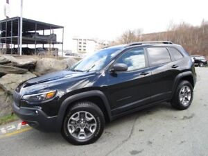 2019 Jeep Cherokee TRAILHAWK L PLUS V6 (PANO ROOF, HEATED/COOLED