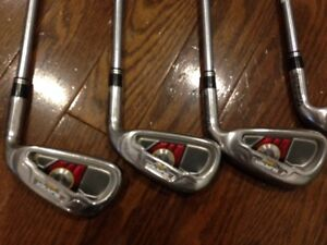 Taylormade golf clubs, right, for tall person, great condition