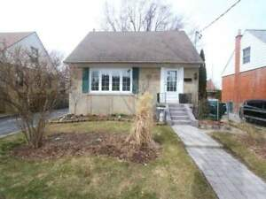 Detached 1.5 Storey Home! 2+1 Bed, Updated Eat-In Kitchen!