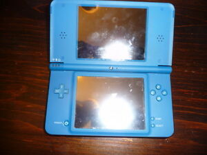Nintendo DS1 XL + 17 games and accessories