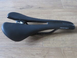 Specialized Romin Pro carbon saddle