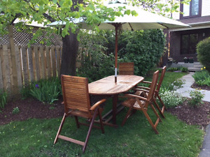 Wood  Set - 6 chairs, extendable table, umbrella