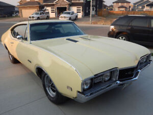 1968 Oldsmobile 442 Holiday Sport Coupe