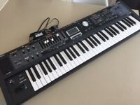 Roland V-Combo VR09 piano, organ, synthesizer - great condition