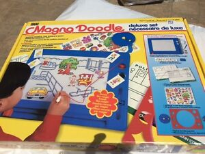 Magna Doodle Deluxe Set - Like New