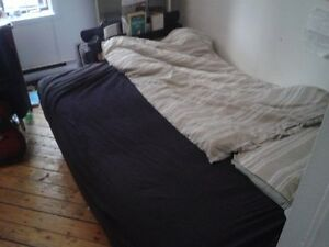 SOFA BED/ LIT-CANAPÉ (SHERBROOKE METRO-PICK UP ONLY)