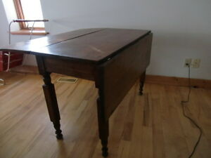 MID VICTORIAN PEMBROKE STYLE TABLE Kingston Kingston Area image 3