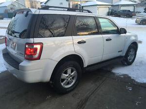 2008 Ford Escape XLT - Command Start - 4x4