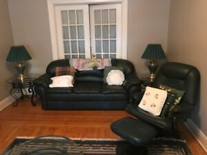 Living Room Furniture Set for Sale (Great Condition)