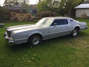 MINT CONDITION 1976 Lincoln Continental