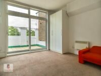 Studio Flat Available Now, No Deposit Required