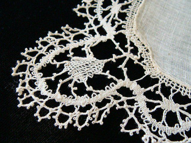 BEAUTIFUL Antique Victorian Linen HAND MADE BOBBIN LACE Wedding Hanky PRISTINE
