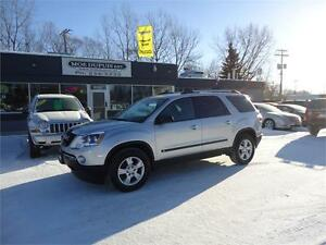 2010 GMC Acadia SLE1, 8 PASSENGER!! ALL WHEEL DRIVE!!