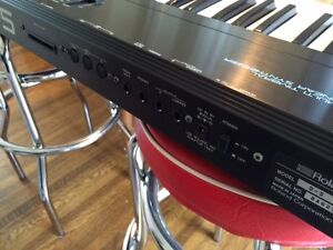 Roland D5 Multi-timbral Linear Synthesizer Kitchener / Waterloo Kitchener Area image 3