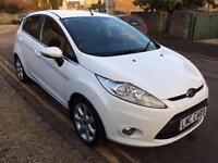 2012 Ford Fiesta 1.25 Zetec 5 door 32,000 MILES IMMACULATE