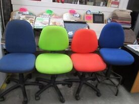 💥*DISCOUNTED*+MULTICOLOUR SWIVEL OFFICE CHAIRS+* ONLY £15 each *+DELIVERY AVAILABLE💥