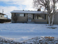HOUSE FOR SALE IN SMOKY LAKE