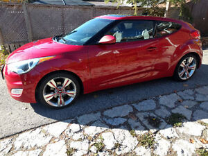 2012 Hyundai Veloster Hatchback fully loaded plus winter tires