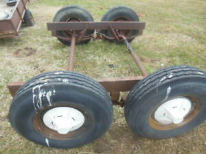 Tandem floating axle