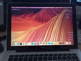 Macbook 13.3 2008 Great laptop ideal for students