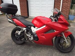 Honda VFR800 - Safetied and ready to go