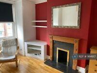 3 bedroom flat in Deacon Road, London, NW2 (3 bed) (#994617)