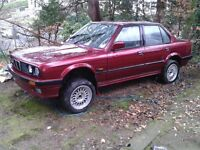 BMW E30 : 320SE 4 Door Saloon : 1991 : Calypso Red : Non Runner : Repair or For Parts