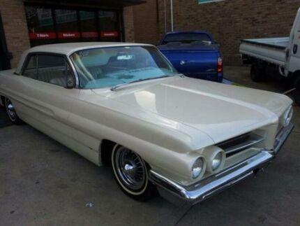 1962 Pontiac Grand Prix White Automatic Coupe