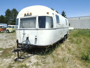 1974 AIRSTREAM ARGOSY 22 FOOT