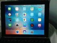 iPad 32 gig iPad wifi Retina display with keyboard fully boxed
