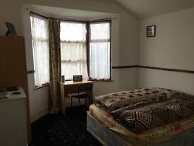 Nice double room to rent in Leytonstone, all bills included, free Wifi, ID:485