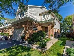 3Br 2.5Wr TH Private Ravine & Park Well Maintained, Cleaver Ave