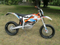 KTM Freeride-E 0cc SM Supermoto-Road 2015MY E-SM