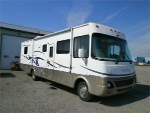 2004 DAMON DAYBREAK 3270 WITH SLIDE AND 42000 MILES!! $19995!