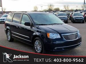 2015 Chrysler Town & Country - DUAL DVD, Pwr Sliding Doors!