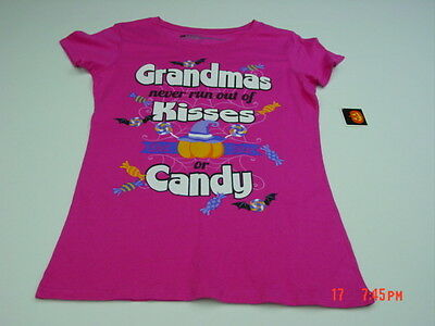 NWT Womens Halloween Themed Awesome Grandma T Shirt Pink Candy Kisses Glitter](Awesome Halloween Candy)