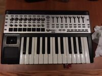 Novation 25 SL MkII Keyboard Controller for Sale