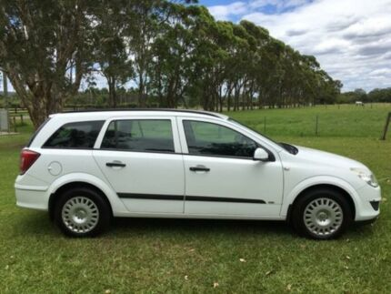 2007 Holden Astra AH MY07 CD White 4 Speed Automatic Wagon